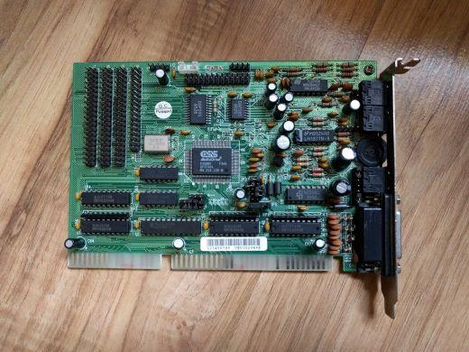 Obrazem: ISA zvukové karty