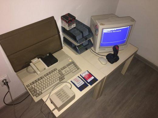 Pěkná Amiga 500 na aukru