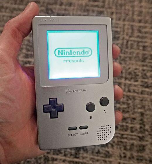 Nový Game Boy od Hyperkinu