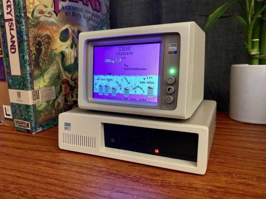 Pohleďte, miniaturní IBM PC!