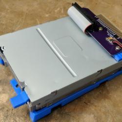 Standardní PC disketovka v IBM PS/2
