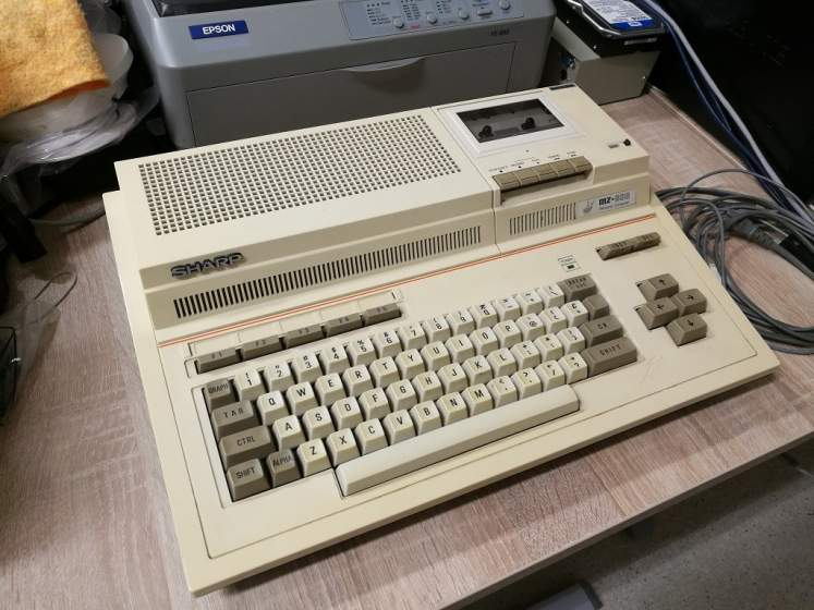 Sharp-MZ800-MilasPce-v1s.jpg
